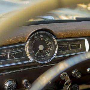 classic car vintage dashboard gauge